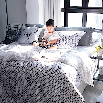 OLIVIA Oliver 特大雙人床包冬夏兩用被套四件組 300織萊賽爾TENCEL 台灣製