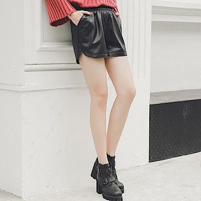 La Belleza黑色鬆緊腰皮短褲內裡加絨加厚側口袋亮面皮質短褲