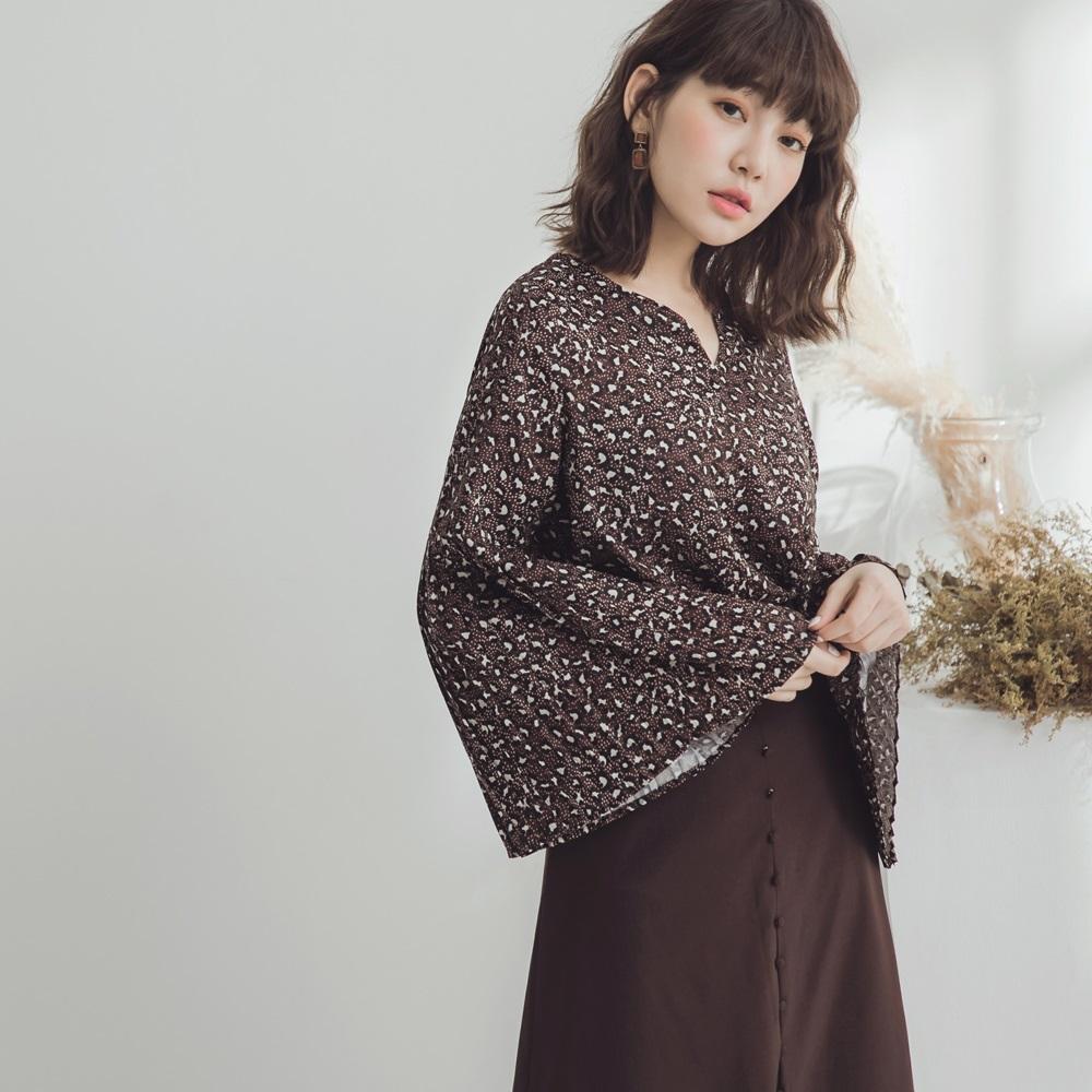 滿版豹紋壓褶袖V領雪紡上衣-OB嚴選 @ Y!購物