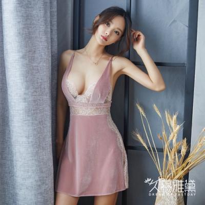性感睡衣 絲絨深V蕾絲拼接開叉短裙。粉紅色 久慕雅黛