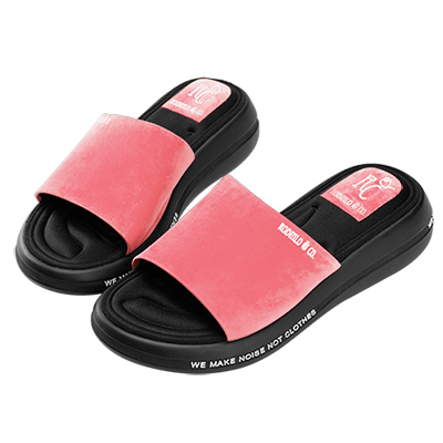 Robinlo 輕量動感彈力軟墊涼拖鞋 粉色