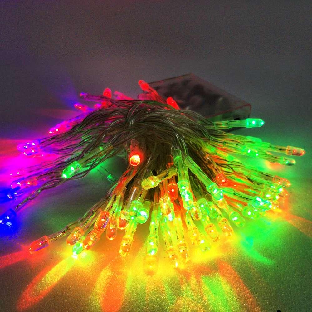 摩達客 聖誕燈 LED燈串100燈電池燈 (四彩色光/透明線) (高亮度又環保)