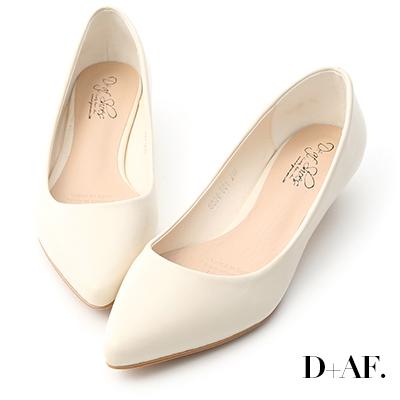 D+AF 微醺色調.素面美型低跟尖頭鞋*米白
