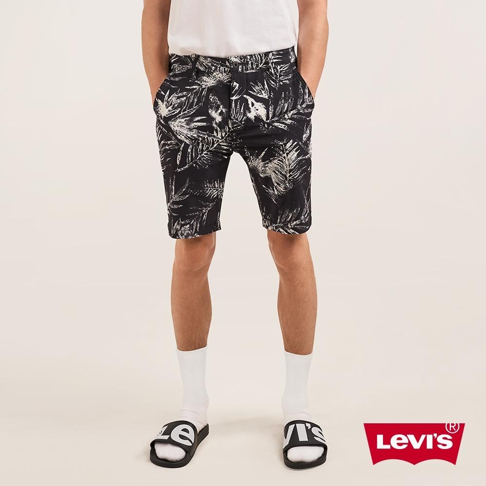 Levis 男款 海灘風休閒短褲 Wonderknit 超彈力布料