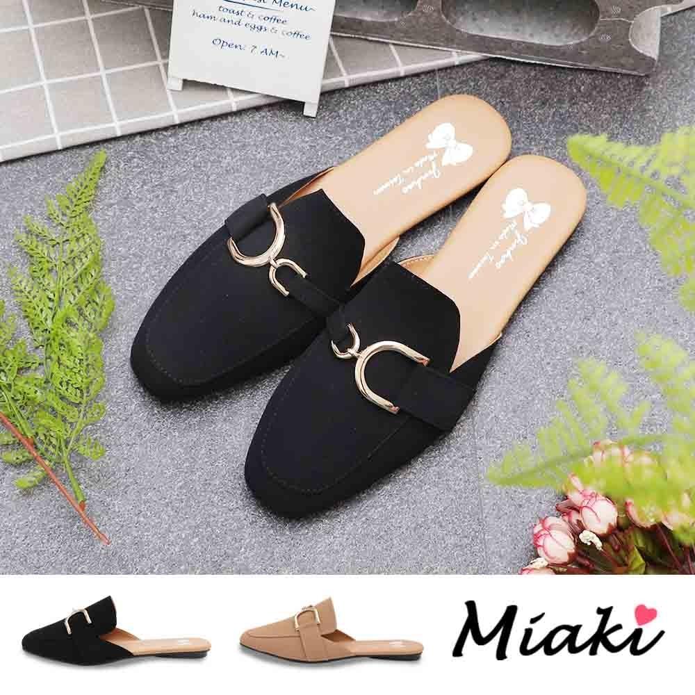 Miaki-穆勒鞋.韓風造型飾釦平底包鞋 (黑色系)