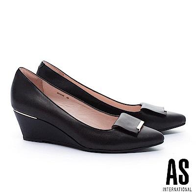 高跟鞋 AS 金屬風反折皮帶釦飾羊皮楔型高跟鞋-黑