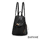 達芙妮DAPHNE-特殊開口不規則拼接後背包-黑