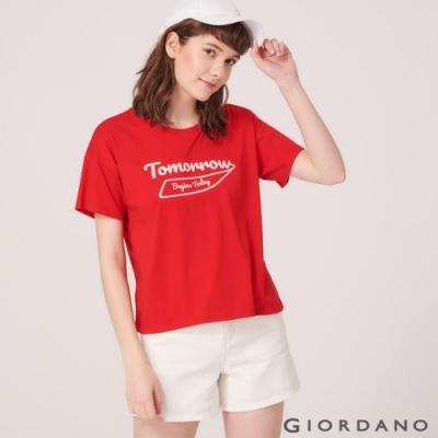 GIORDANO 女裝英文圖案刺繡短袖寬版T恤-06 競賽紅