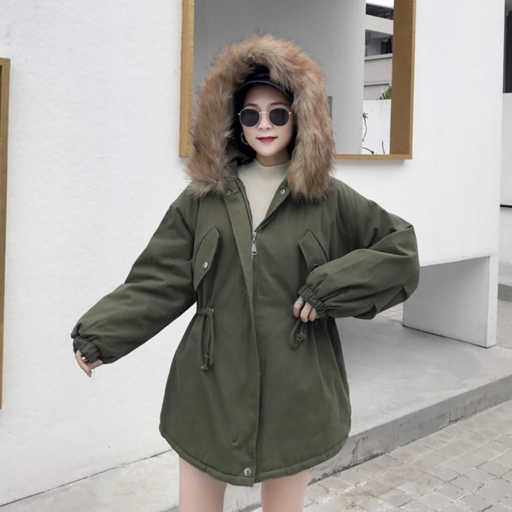 La Belleza毛領可拆毛毛連帽鋪棉斜口袋腰抽繩厚棉背開叉大外套