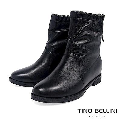 Tino Bellini 自然不對稱抓皺內增高中筒靴 _ 黑