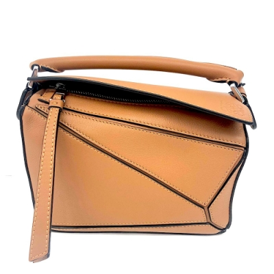 LOEWE MINI PUZZLE 系列小牛皮幾何拼接設計手提/肩背包(迷你-焦糖色)
