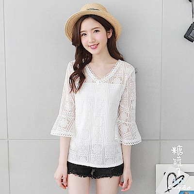 糖罐子-V領方格蕾絲荷葉袖刺繡造型上衣(白)