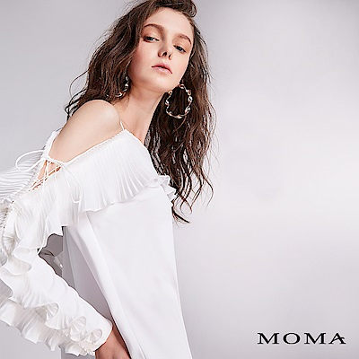 MOMA 壓褶荷葉露肩上衣