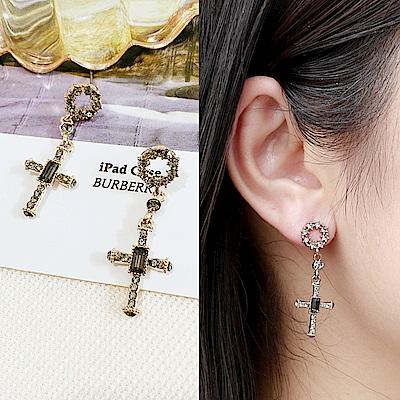 梨花HANA  韓國S925銀針甜美歌德十字架黑鑽耳環