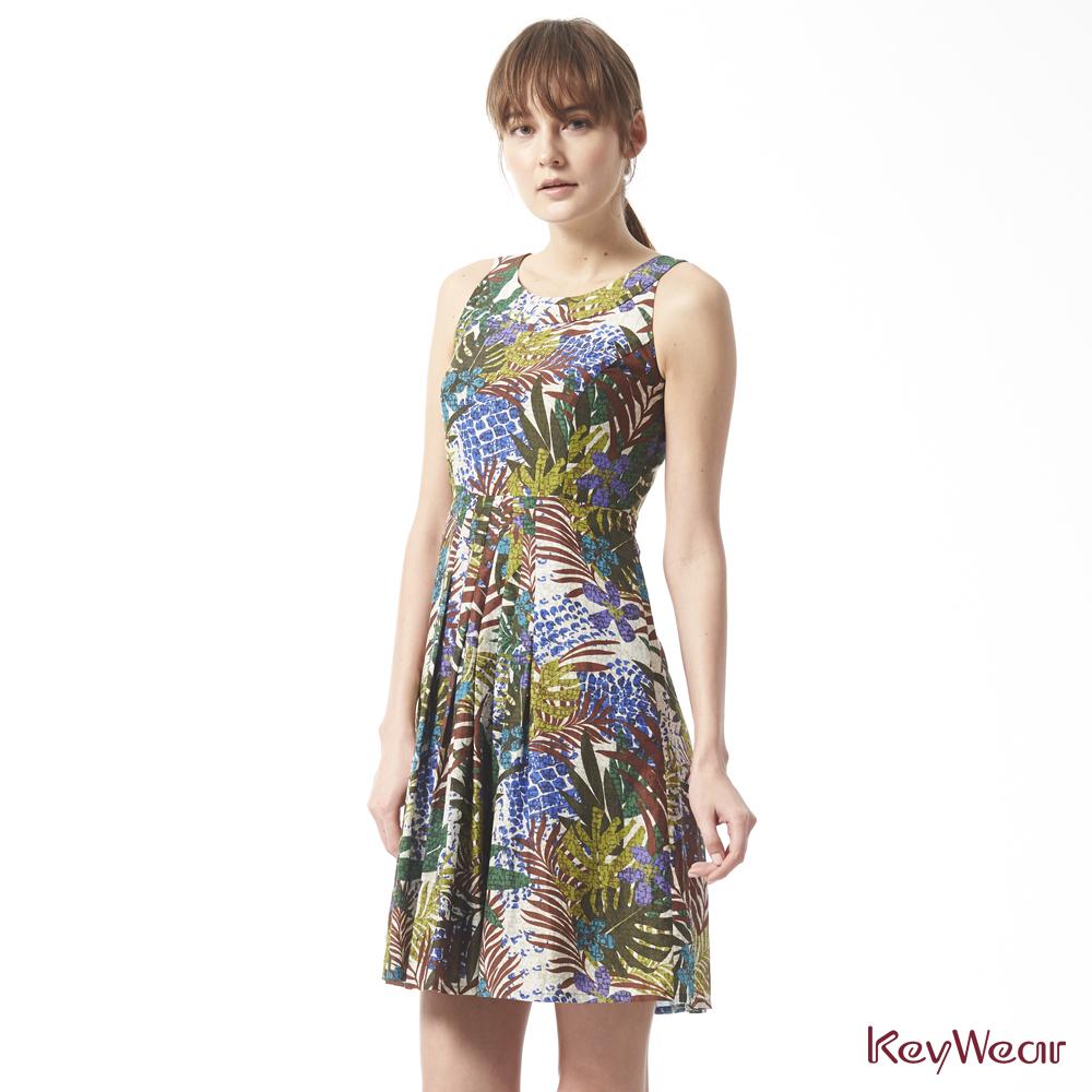 KeyWear奇威名品    異國風叢林印花絲棉無袖洋裝-綜合色