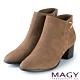 MAGY 金屬V型釦環真皮粗跟 女 短靴 可可 product thumbnail 1