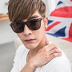 BuyGlasses 抗UV方型鉚釘太陽眼鏡
