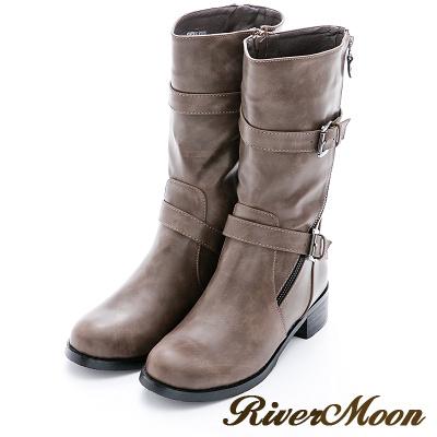River&Moon加大尺碼-率性斜拉鏈雙扣環中統騎士靴-卡其
