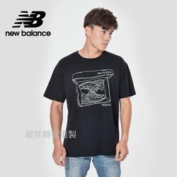 【New Balance】插畫短袖上衣_男性_黑色_AMT11542BK