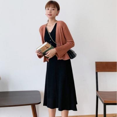 La Belleza雙V領排釦坑條柔軟針織彈性長版背心裙