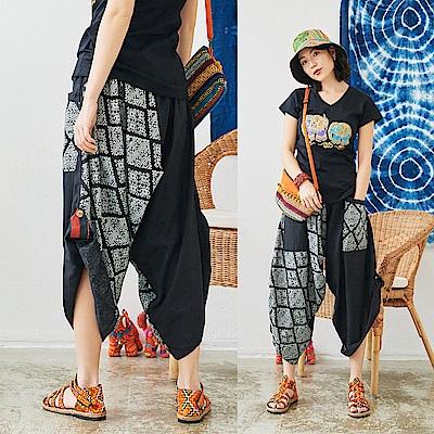 潘克拉 兩穿式釦帶圖騰寬管褲-黑色