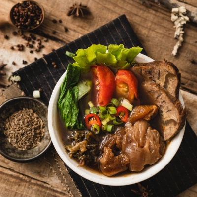 川霸子 半筋半肉牛肉麵(580g)