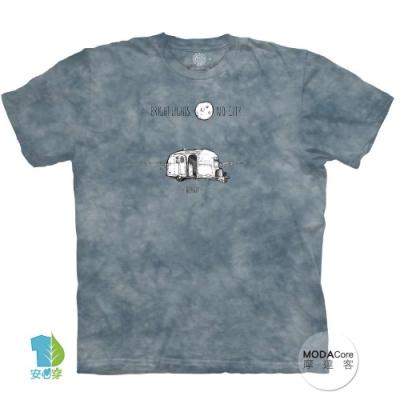 摩達客-美國進口The Mountain 露營月光下 純棉環保中性短袖T恤