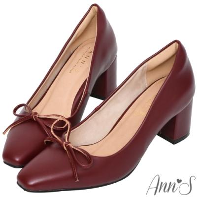 Ann'S法式優雅-油皮細緻蝴蝶結粗跟方頭跟鞋-酒紅