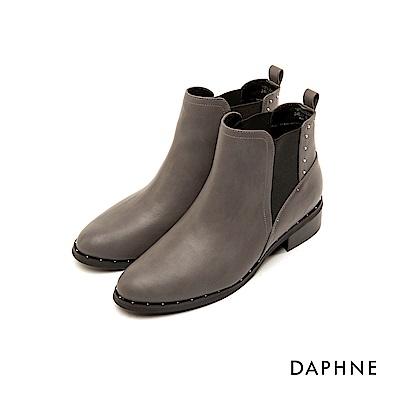 達芙妮DAPHNE 短靴-素色佐金屬鉚釘圓頭粗跟短靴-灰