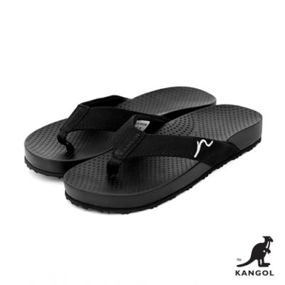 【KANGOL】英式休閒-壓紋夾腳拖鞋-黑