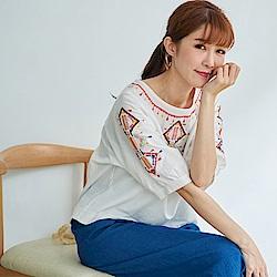 慢 生活 民族風刺繡寬棉麻上衣- 白/深藍/橘