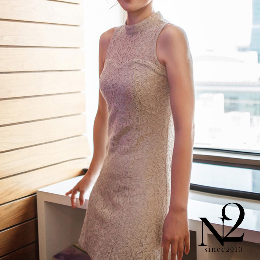 洋裝 設計師款棉質蕾絲削肩無袖改良旗袍洋裝(杏) N2