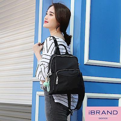 iBrand後背包 實用多口袋俏皮吊飾尼龍後背包-黑色