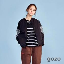 gozo 愛麗絲主題繡花條紋棉T (黑色)
