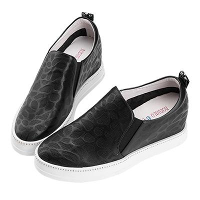 Robinlo 低調鑲鑽休閒壓紋內增高休閒鞋 黑