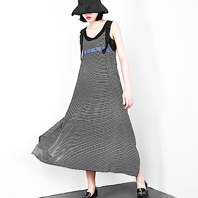 條紋字母側岔擺吊帶背心裙-(共二色)Andstyle