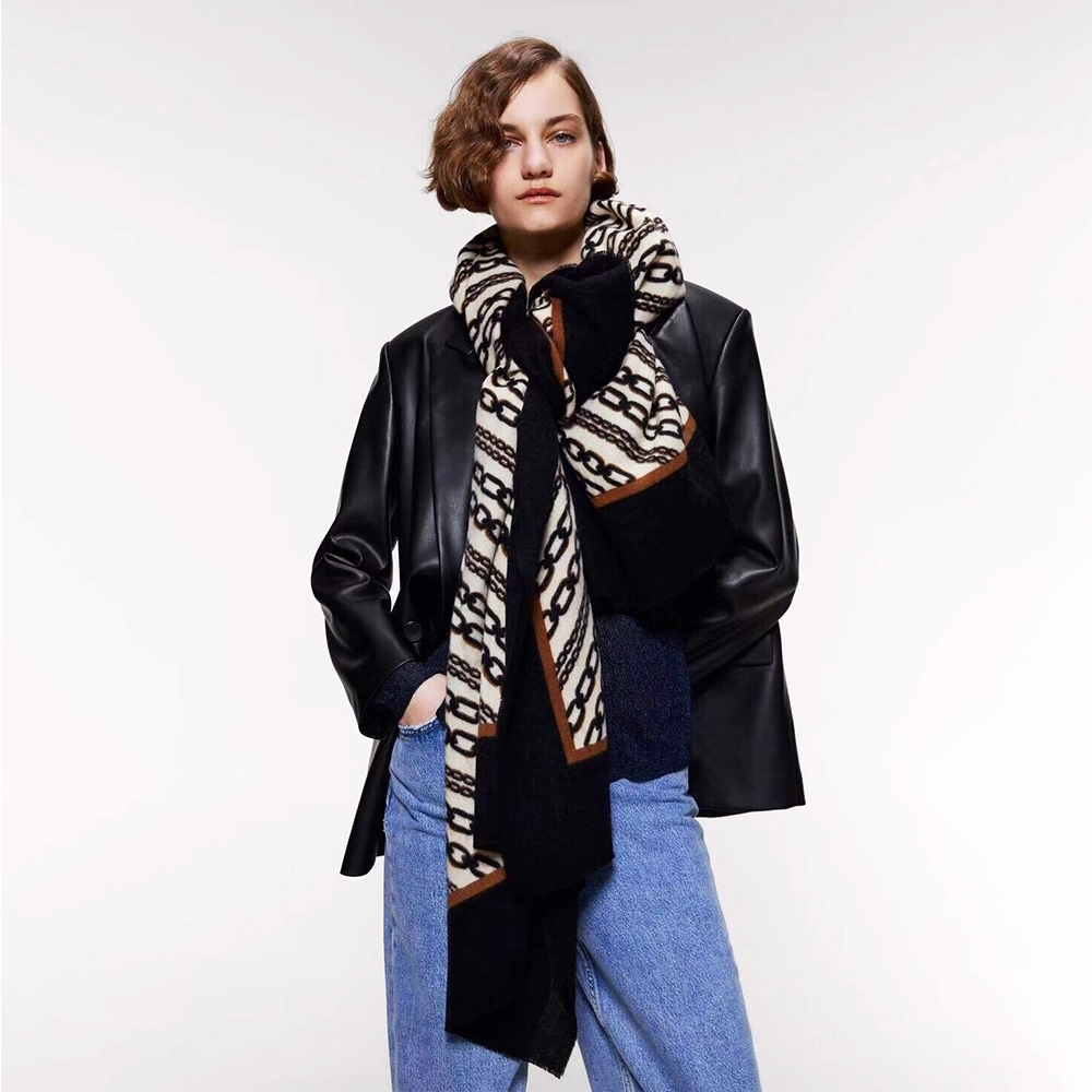 【KISSDIAMOND】歐美時尚潮流鎖鏈保暖長圍巾披肩(保暖/舒適/百搭/KDM-FYR191)