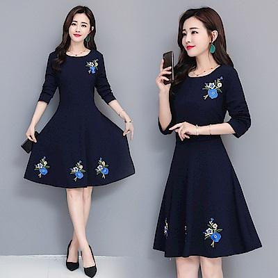 深藍色優雅刺繡花朵修身洋裝M~3XL-REKO