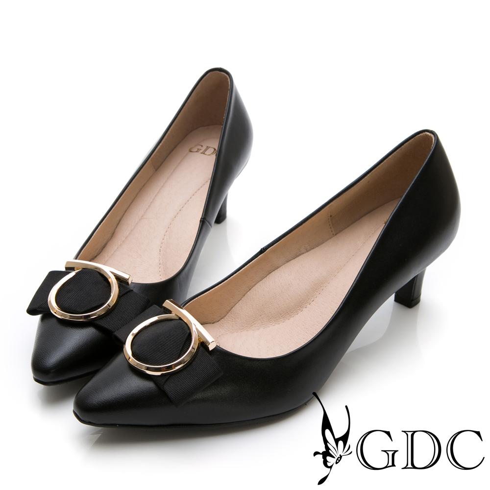GDC-尖頭歐美大器圓釦真皮蝴蝶結中跟包鞋-黑色