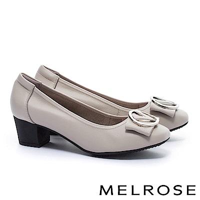 高跟鞋 MELROSE 復古典雅V型皮帶釦飾牛皮圓頭粗跟高跟鞋-灰