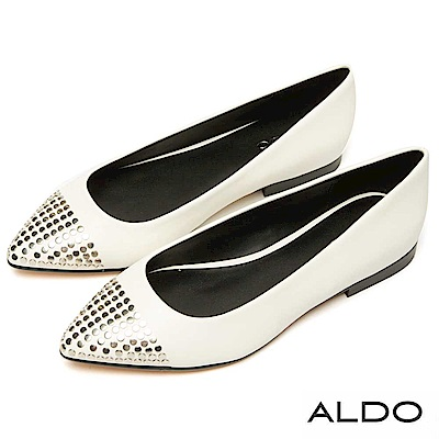 ALDO 百搭原色綴金屬幾何鉚釘尖頭粗跟鞋~都會白色