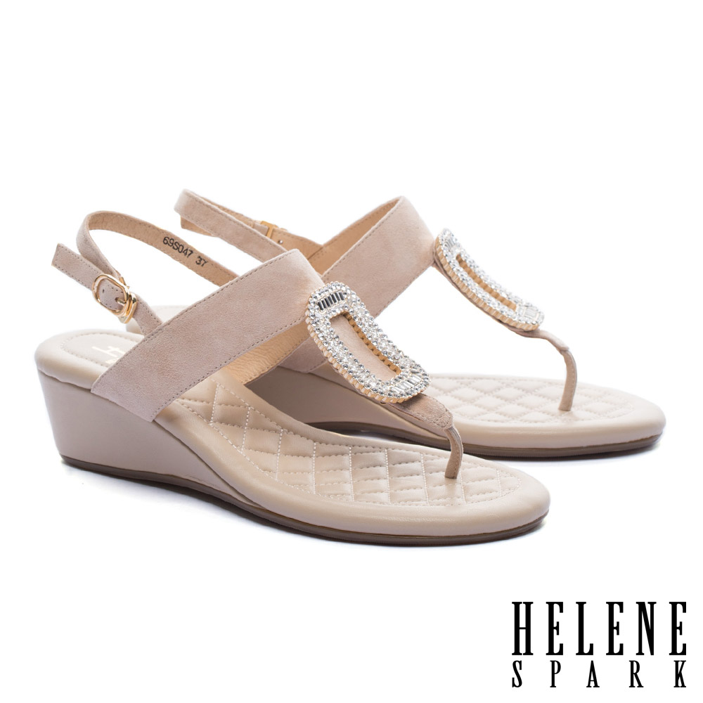 涼鞋 HELENE SPARK 璀璨晶鑽方飾釦羊麂皮T字楔型高跟涼鞋-米