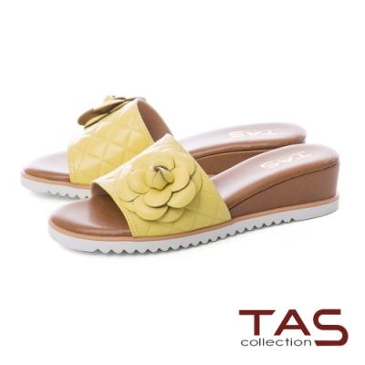 TAS 立體花朵拼接壓紋楔型涼拖鞋-亮眼黃