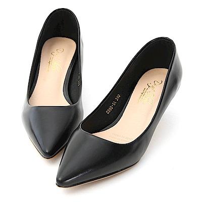 D+AF 知性優雅.簡約素面低跟尖頭鞋*黑