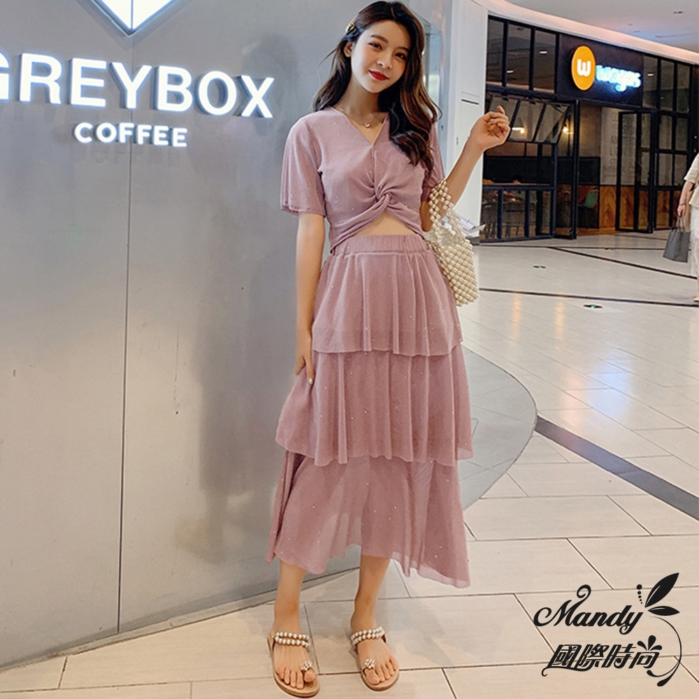 Mandy國際時尚 二件套組 性感V領上衣+氣質女神蛋糕裙