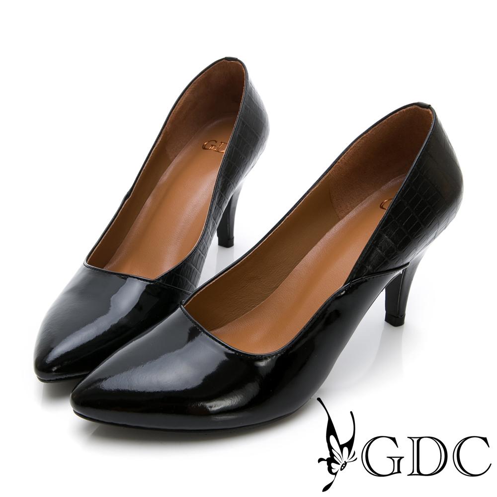 GDC-尖頭時尚牛漆皮撞色中跟包鞋-黑色