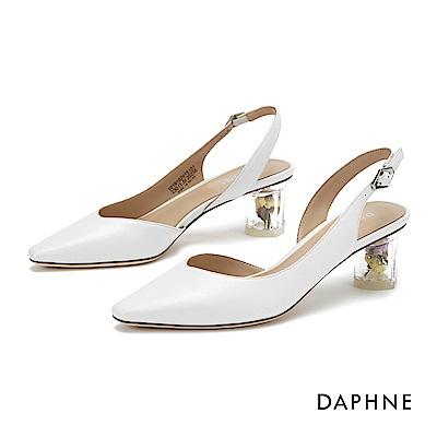 達芙妮 高跟鞋-春氛花漾縷空尖頭粗跟鞋- 白