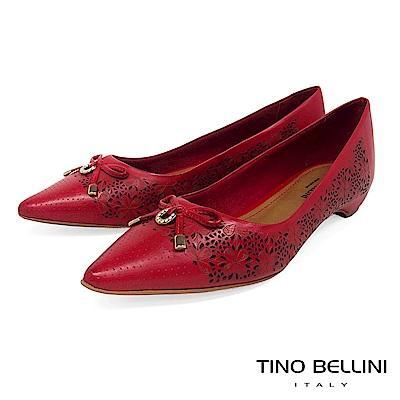 Tino Bellini 巴西進口雷射雕花佐優雅蝴蝶結低跟包鞋 _ 紅