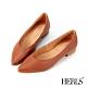 HERLS低跟鞋-全真皮百搭素面V口尖頭低跟鞋-棕色 product thumbnail 1