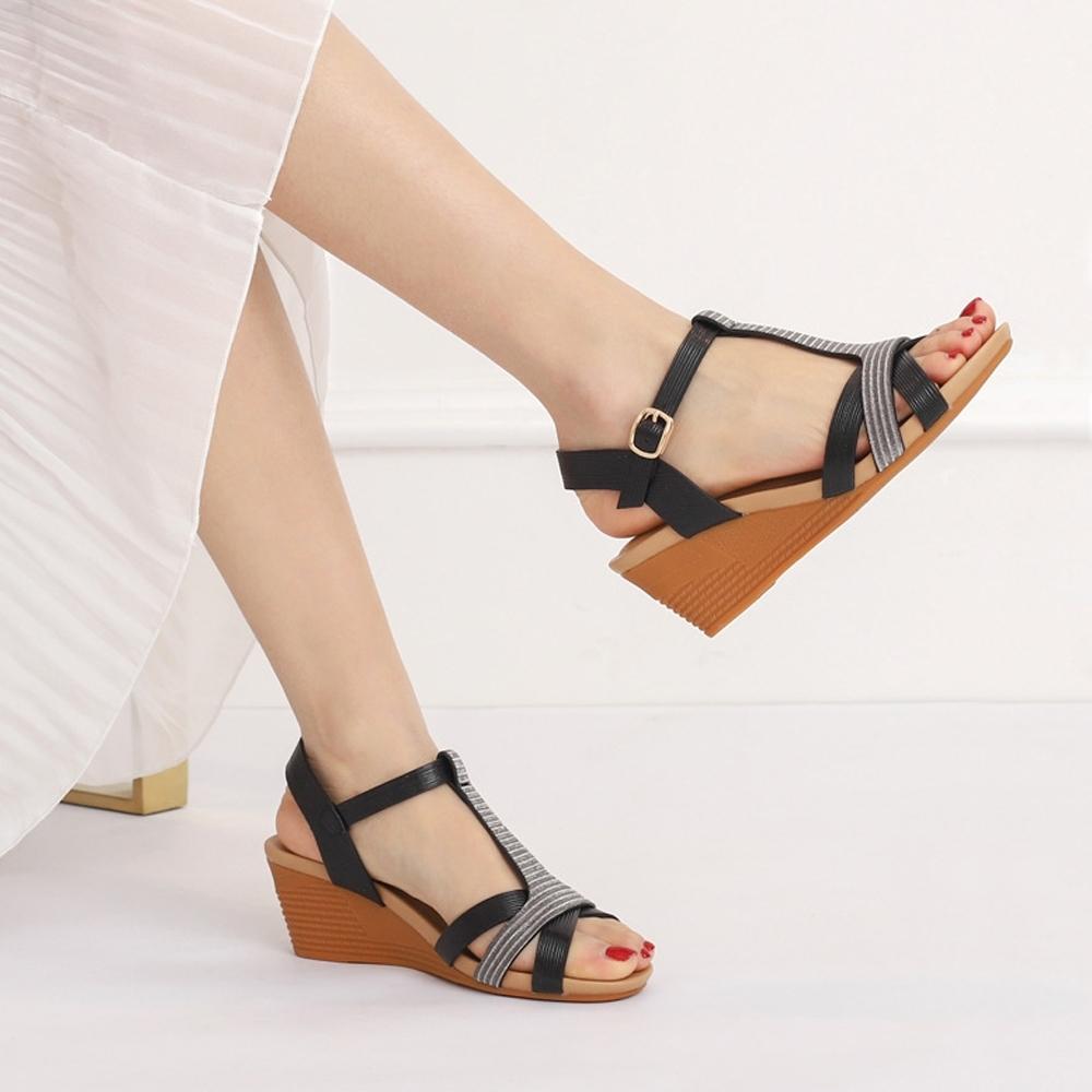 LN  現+預 復古風輕奢魚口坡跟涼拖鞋(涼拖鞋/休閒鞋) product image 1